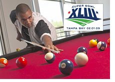 phil ivey is betting a million dollars on the superbowl - phil playing pool