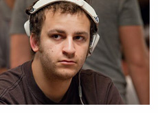Sorel Mizzi rocking white headphones - WSOP 2010