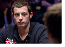 Tom Dwan eying an opponent